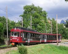 Vierachsiger Triebwagen Nr. 21, mit Anhängerwagen